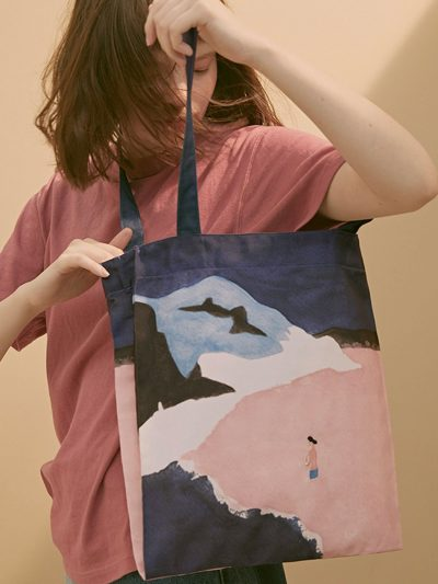 bolsa canvas paisaje duna rosa con modelo