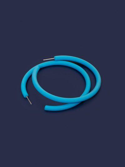 Pendientes Hula Hoop azul cielo con fondo