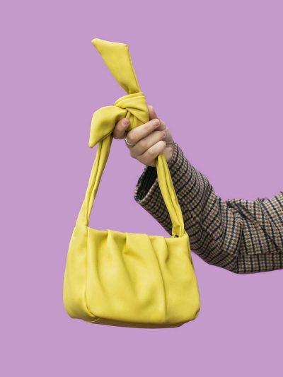 tender knot yellow modelo